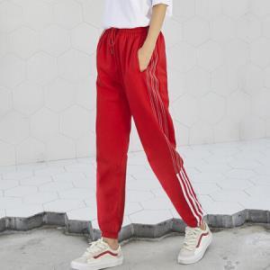 俞兆林 2018秋季新款学生经典收脚休闲运动裤女 YWXK188381 红色S 54.5元