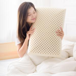 京造 弧形天然乳胶面包枕 159元