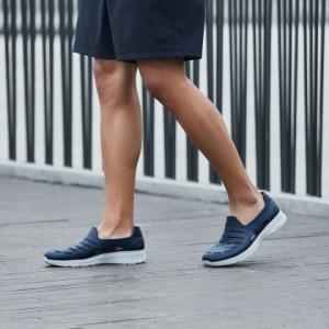 Skechers斯凯奇男鞋 轻质网眼套脚洞洞鞋 健步运动凉鞋 149.25元