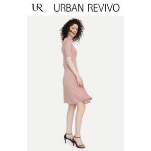 UR2019春夏季新品女装修身褶皱气质纹理针织连衣裙WG39R9FF2001139元