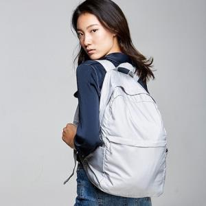 移动端:苏宁极物轻致休闲便携双肩背包49.9元