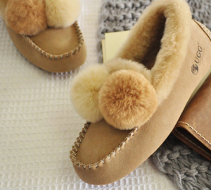 DKDK211女士加绒保暖内增高豆豆鞋 449元