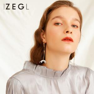 ZEGL设计师款圣诞系列雪晶花耳环 99元
