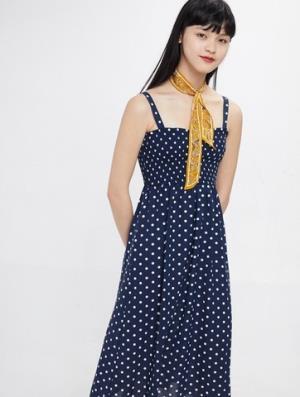 21号:CacheCache捉迷藏9377007123女士复古吊带裙 79.9元