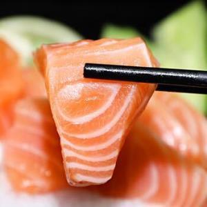 鲜博汇智利进口冷冻三文鱼(大西洋鲑)刺身中段鱼腩刺身500g生鱼片三文鱼 49.9元