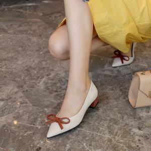 KumiKiwa卡米尖头蝴蝶结单鞋 237.15元