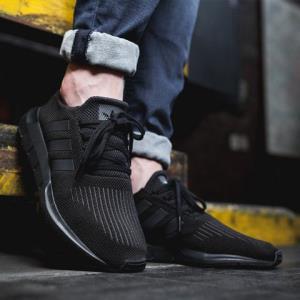 adidas阿迪达斯SWIFTRUN女子经典休闲运动鞋CG4139CG4111249元