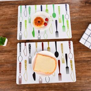MOYOU欧式防滑餐桌垫简约印花西餐垫家用垫子三个装 9.9元(需用券)