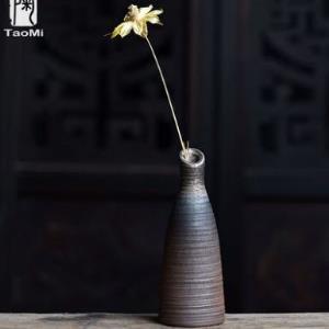陶迷复古创意陶瓷柴烧花瓶手工个性时尚小花器水培花插家居饰品 9.9元