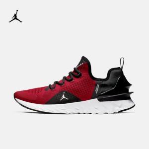 JordanJORDANREACTHAVOCAR8815男子跑步鞋 699元