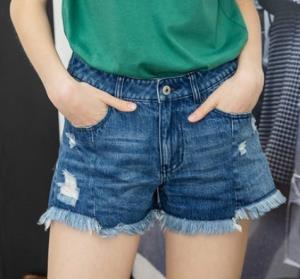 Lagogo拉谷谷HCNN137Q64女士牛仔短裤    61元