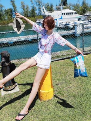 bikini泳衣女韩国小胸聚拢罩衫遮肚显瘦新款防晒分体三件套游泳衣    49元