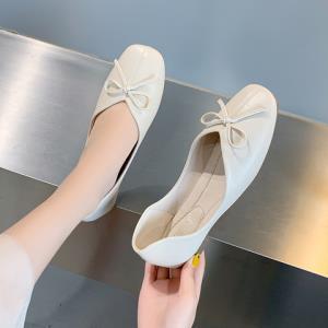 网红软皮不磨脚平底单鞋女 19.9元(需用券)