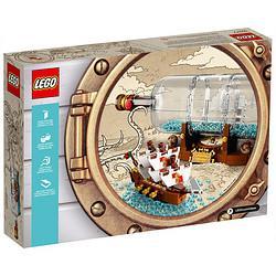 LEGO乐高IDEAS系列92177典藏瓶中船粉丝收藏款。